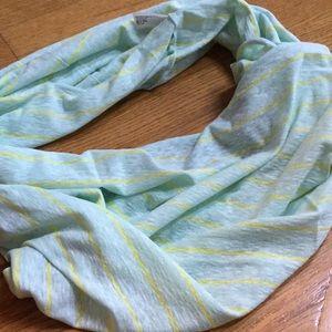 Round scarf